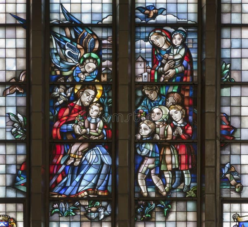 Брюссель - Иисус и дети - специализированная часть окна стоковые фотографии rf