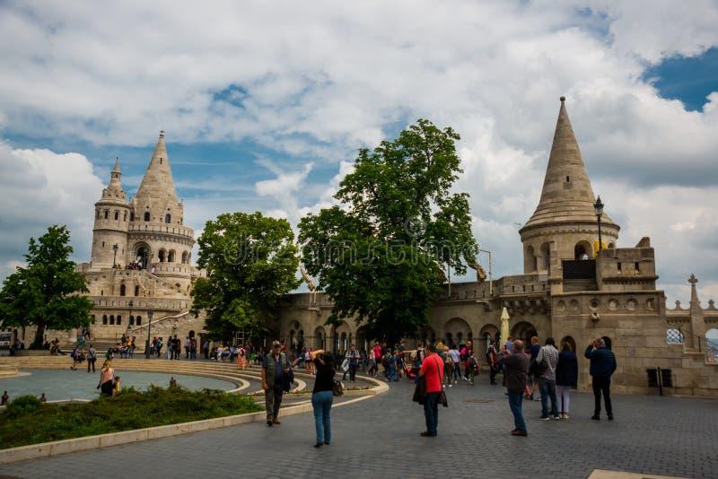 Будапешт, Венгрия: Бастион рыболова Красивый вид одной из главных достопримечательностей старого городка стоковые изображения rf