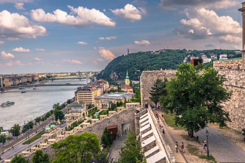 Будапешт - 22-ое июня 2019: Панорамный вид города Будапешта, Венгрии стоковое изображение