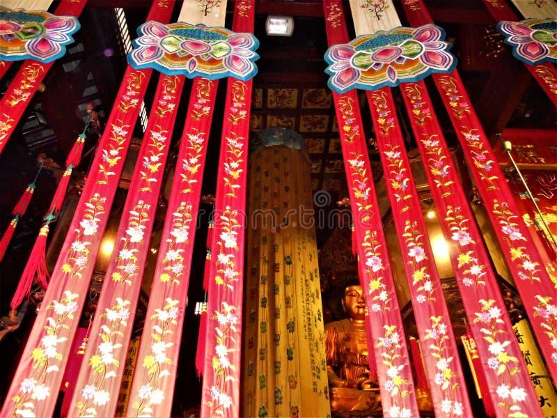 Буддизм, увлекательность, красота и преданность в Китае стоковое фото rf