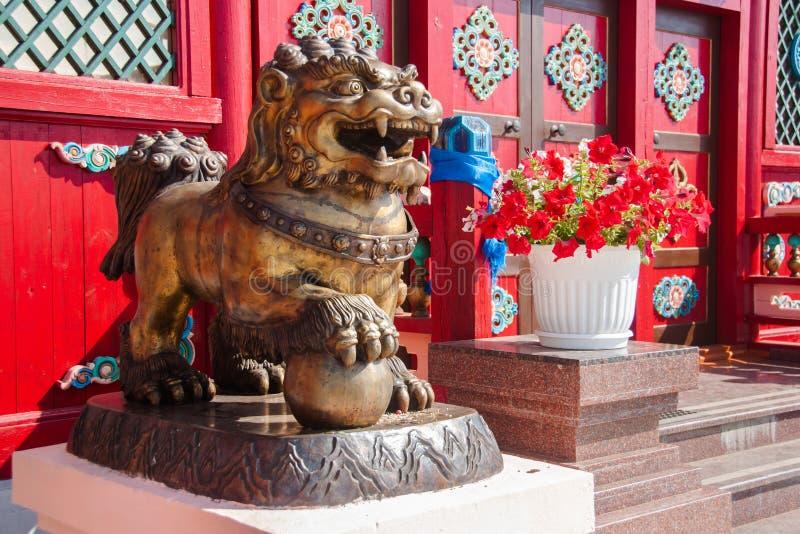 Буддийская диаграмма льва снега в Ivolginsky datsan стоковое изображение