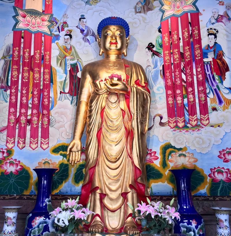 Буддийская статуя от виска в Чэнду, людях Республике стоковое фото rf