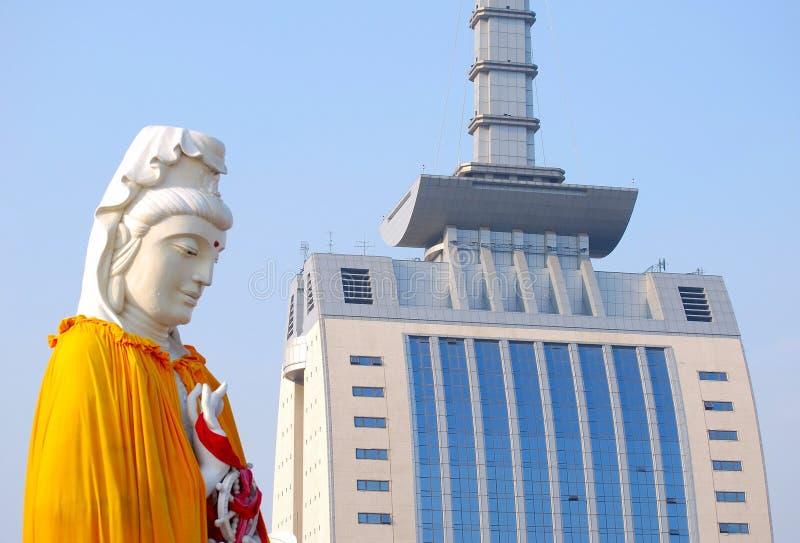 буддийская статуя dalian фарфора стоковая фотография rf