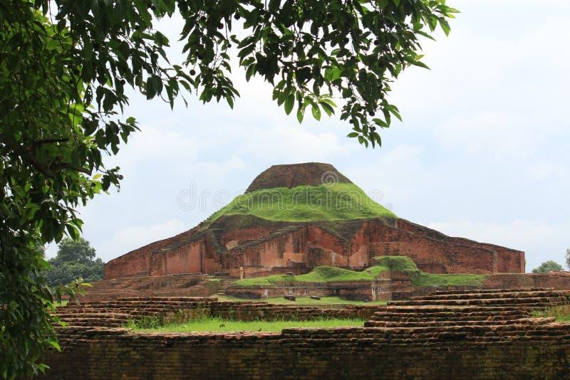 Буддийский Бихар на всемирном наследии Бангладеша стоковая фотография