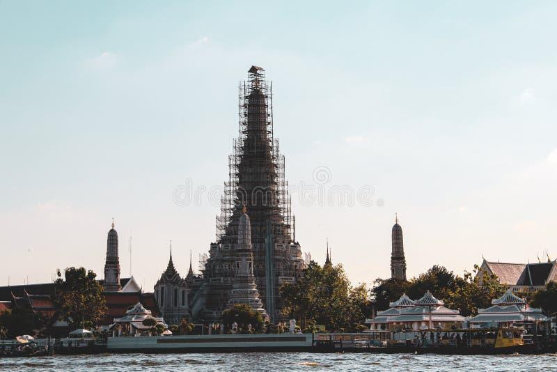 Буддийский висок в Бангкоке, Таиланде стоковое фото rf