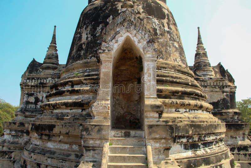 Буддийский висок со старым stupa в Ayutthaya, Бангкоке, Таиланде стоковое фото rf