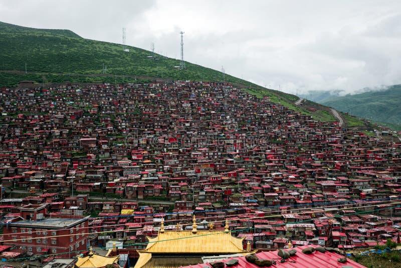 Буддийский коллеж в Сычуань, Китае стоковое изображение rf