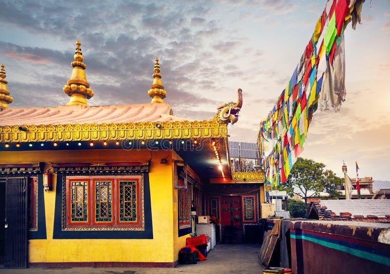 Download Буддийский скит в Непале стоковое фото. изображение насчитывающей скит - 106251626