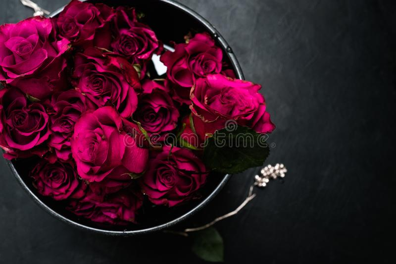 Букет красных роз влюбленности романский цветет чувства стоковые фотографии rf