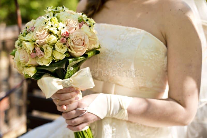 Букет невесты и свадьбы стоковые изображения