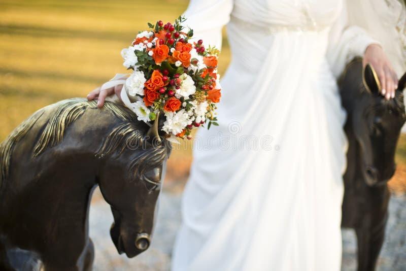 Букет невесты и свадьбы стоковая фотография rf