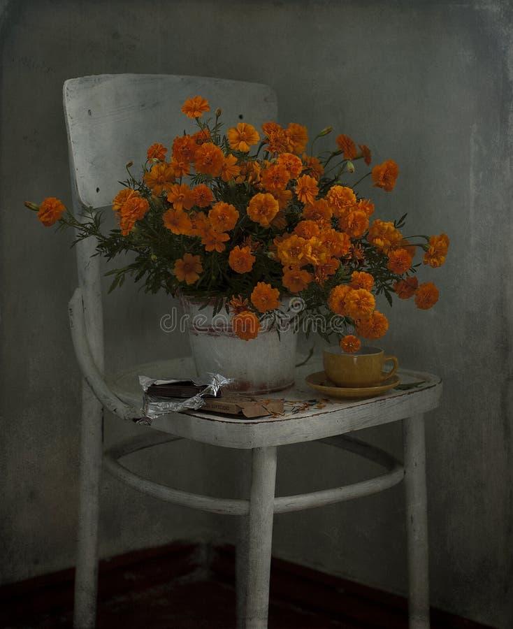 Букет оранжевых ноготков стоковые фотографии rf