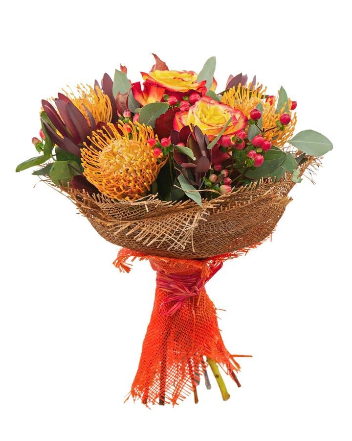 Букет от роз и аравийская звезда цветут изолированный на белизне стоковые изображения