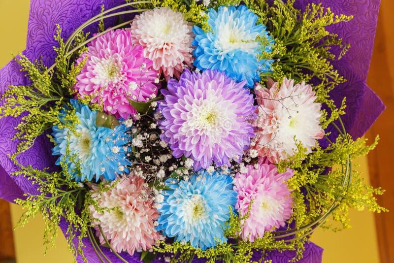 Букет от хризантем другого цвета стоковые фото