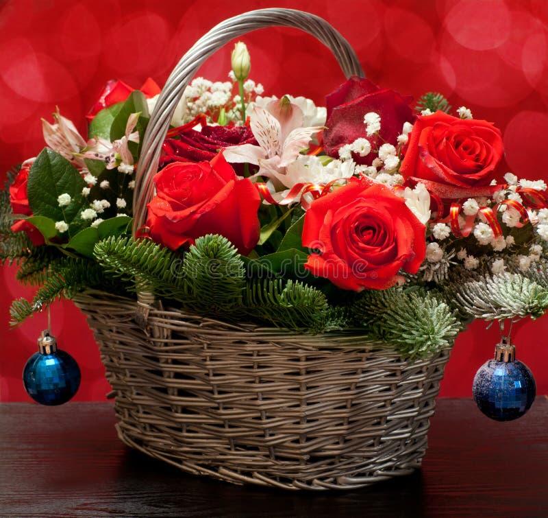 Букет рождества в корзине стоковое изображение rf