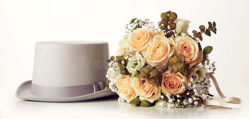 Букет свадьбы и шляпа веников стоковые изображения rf