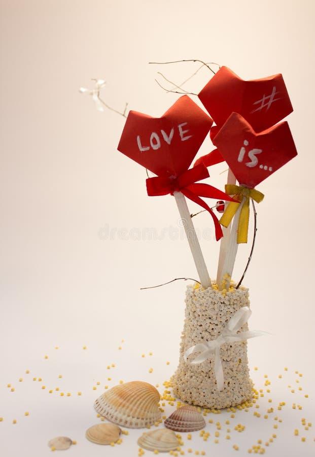 букет сердец в вазе стоковые фотографии rf