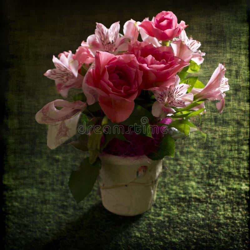 Download букет цветет пинк стоковое фото. изображение насчитывающей текстура - 40585952
