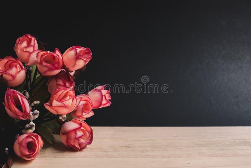 Букет цветка с черной предпосылкой стоковые фотографии rf