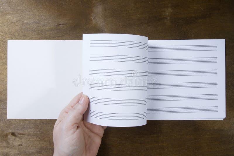 Буклет музыки или бумага примечаний стоковая фотография