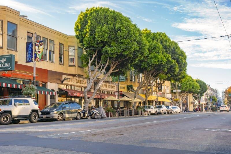 Бульвар Колумбус в Сан-Франциско, США стоковые изображения
