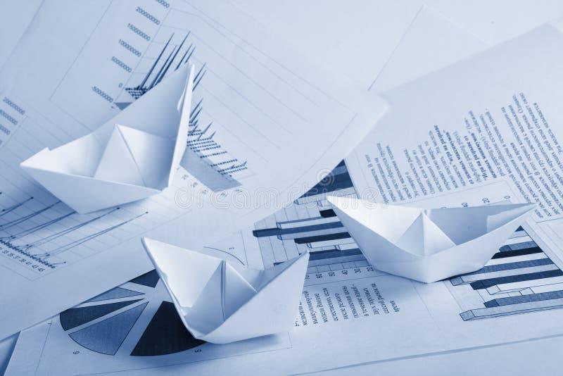 бумага документов принципиальной схемы дела шлюпки стоковые фотографии rf