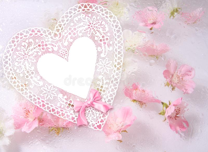 бумага с розовыми цветками, красивая предпосылка сердца цветка иллюстрация штока