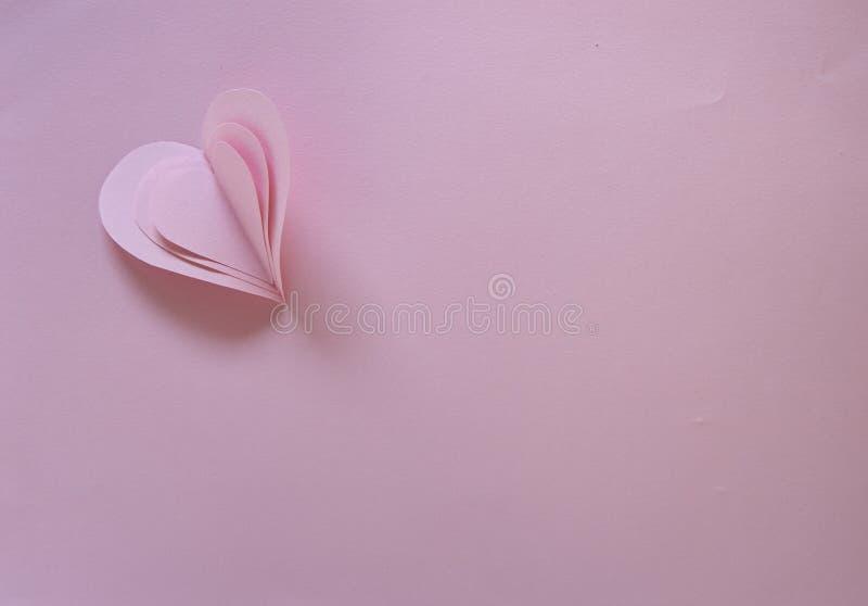 Бумажная карточка дня валентинок сердец стоковое изображение