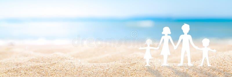 День семьи на пляже стоковые изображения rf