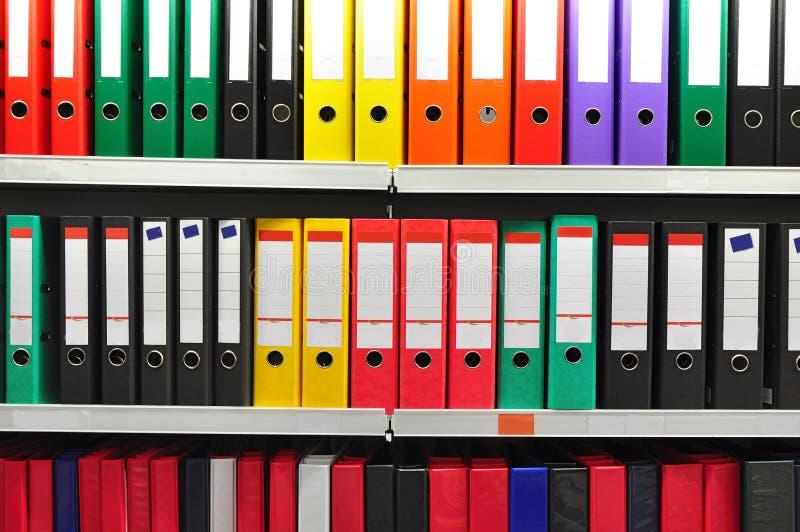 Бумажные скоросшиватели архивохранилища стоковые фотографии rf