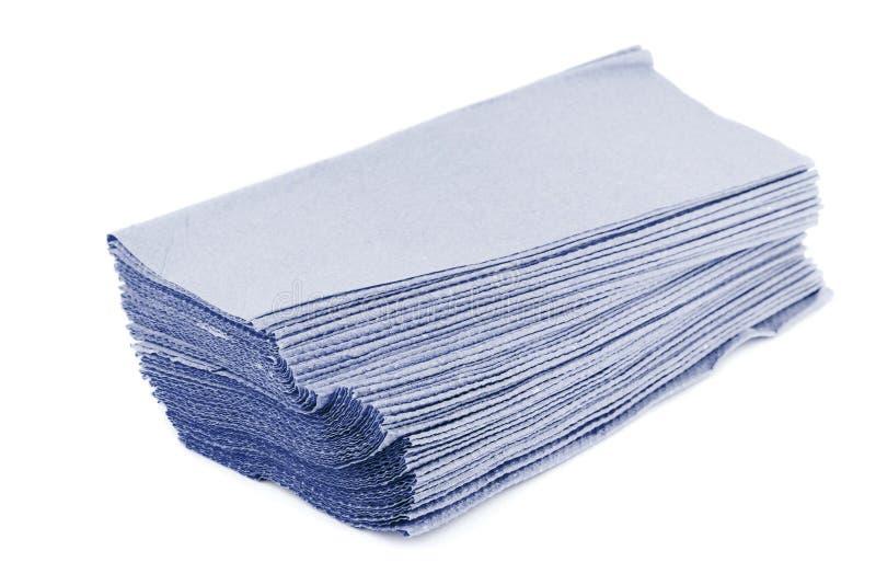 Бумажные полотенца изолированные на белой предпосылке стоковые фото