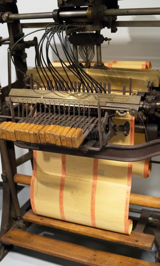 Бумажный штамповщик стоковые изображения