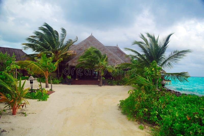 бунгало Мальдивы пляжа стоковое фото rf