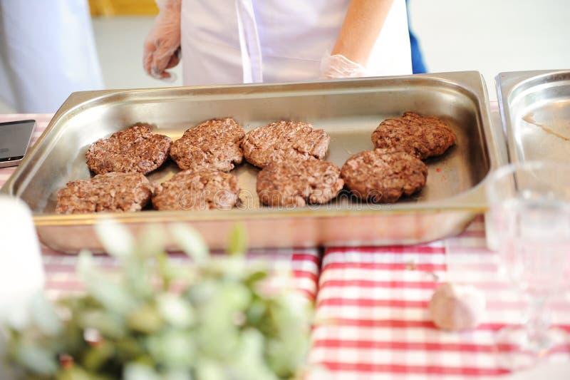 Бургеры барбекю мяса говядины или свинины для гамбургера стоковые изображения rf