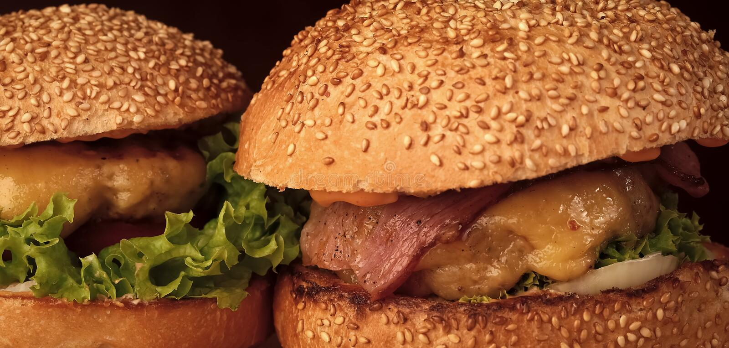бургер вкусный Большие вкусные аппетитные свежие бургеры сыра томата зеленого салата красного стоковая фотография rf