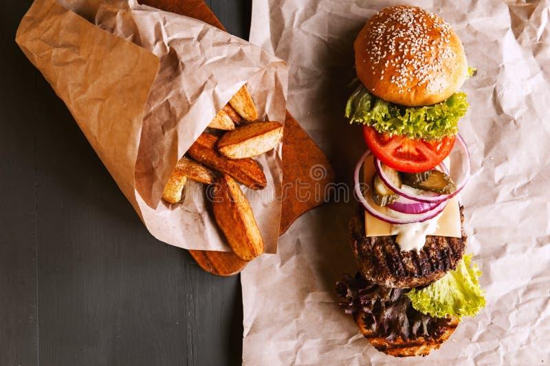 Бургер разложил в свои компоненты стоковая фотография
