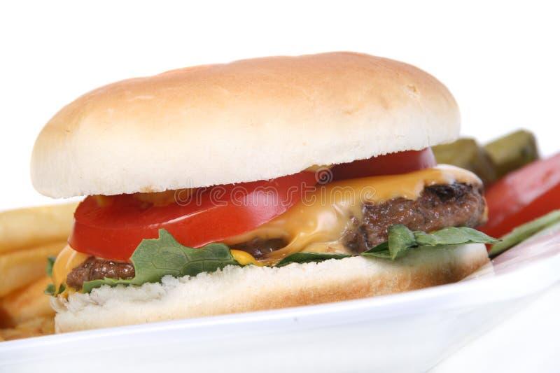 Download Бургер сыра стоковое изображение. изображение насчитывающей старье - 33733285