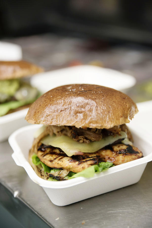 бургер стоковое изображение rf