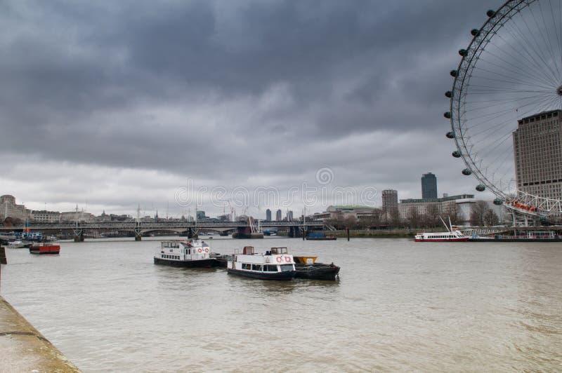 Бурная Темза стоковые изображения