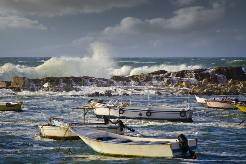 бурное море шлюпок малое стоковая фотография rf