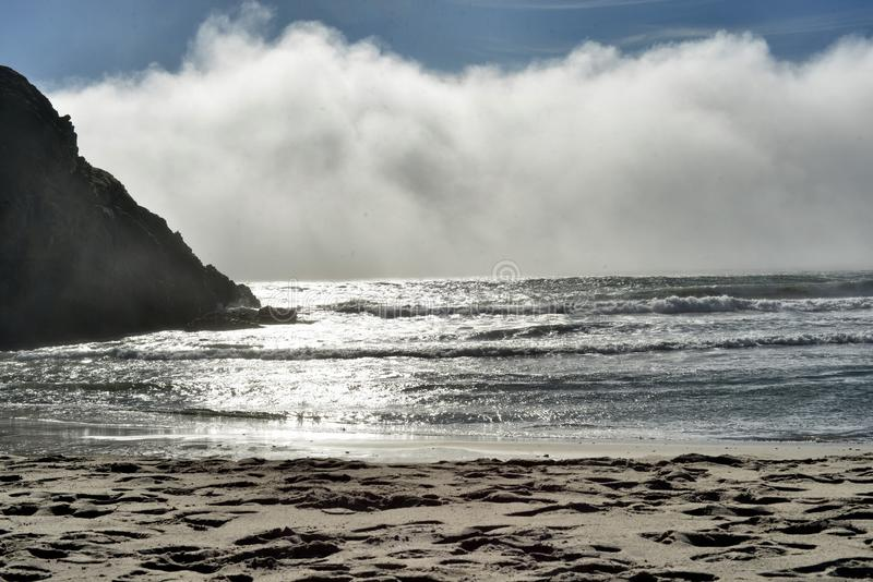 Буря в океане стоковые изображения rf