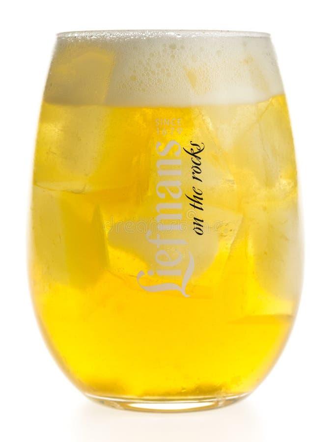 "Бутылка и стекло Ла Trappe Isid ""или пива изолированного на белизне стоковые изображения rf"