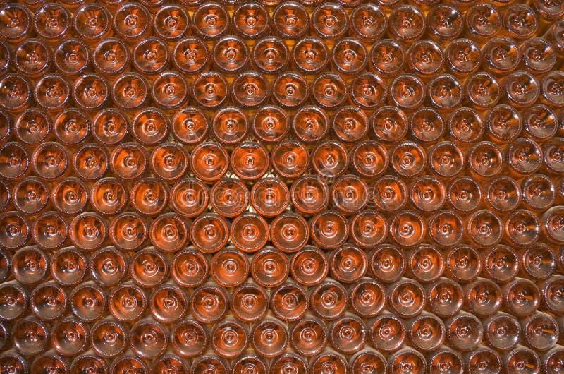 бутылка shelving tokay вино стоковые изображения