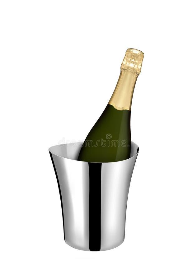 Бутылка Шампани в охладителе стоковая фотография