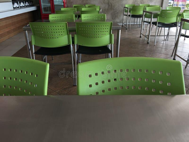 Буфет таблицы и стула стоковое изображение