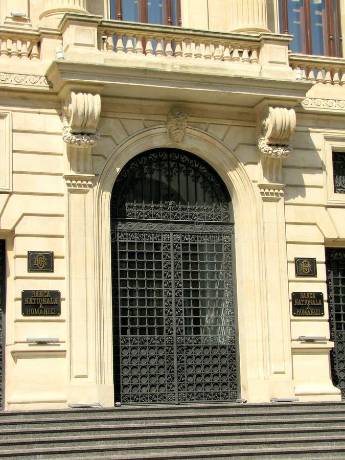 Бухарест - вход национального банка Румынии стоковое фото rf