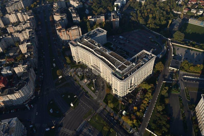 Бухарест, Румыния, 9-ое октября 2016: Вид с воздуха гостиницы Marriott в Бухаресте стоковая фотография rf