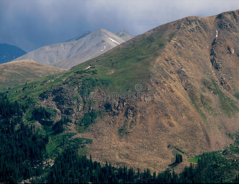 Бушуйте небо в горах Williams, ряд Sawatch, национальный лес White River, Колорадо стоковые изображения