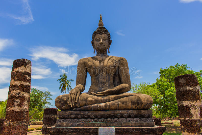 Будда в парке Таиланде sukhothai историческом стоковые изображения
