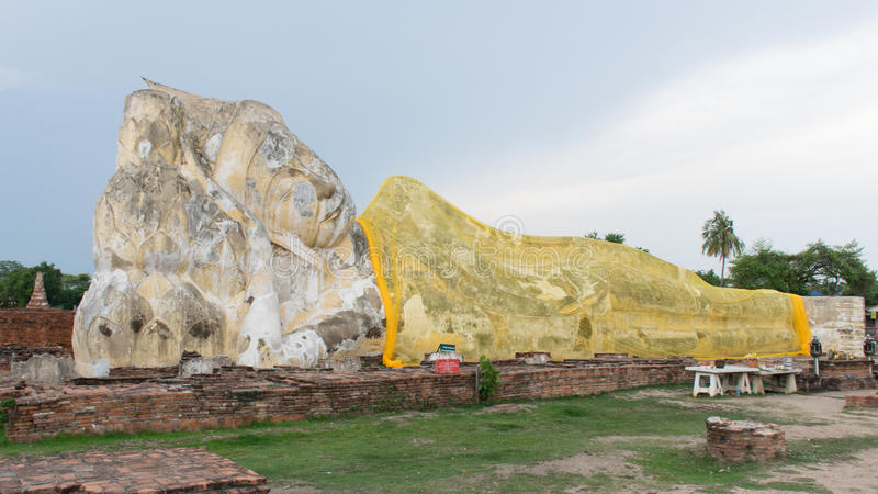 Будда на ayutthaya стоковое изображение